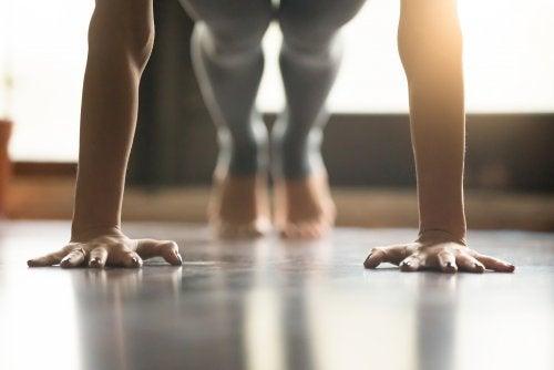 Los mejores ejercicios de yoga para fortalecer los brazos