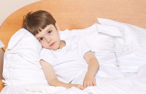 ¿Cómo aliviar una infección urinaria en niños?