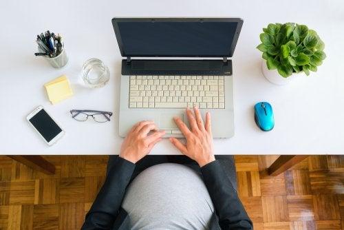 La baja durante el embarazo: qué debemos saber
