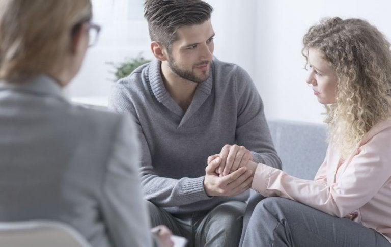 Terapia de pareja: cómo ayuda a mejorar las relaciones