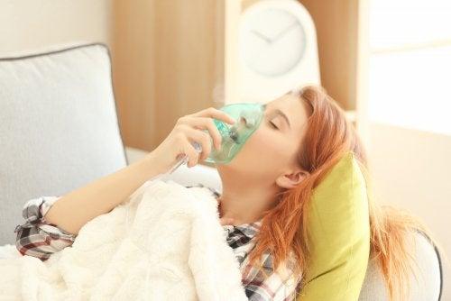 ¿Qué hacer en caso de una emergencia por crisis de asma bronquial?