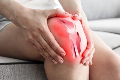 ¿Por qué la osteoartritis causa dolor de rodilla?