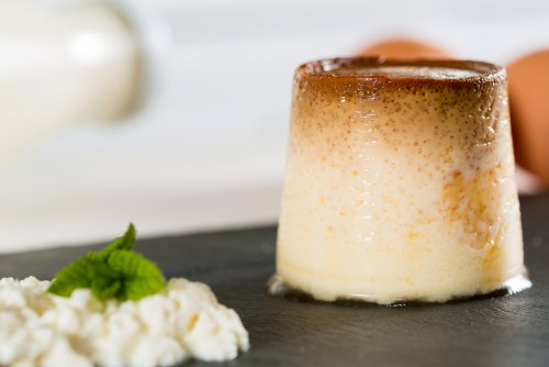 Cómo preparar un flan de queso fresco libre de lactosa