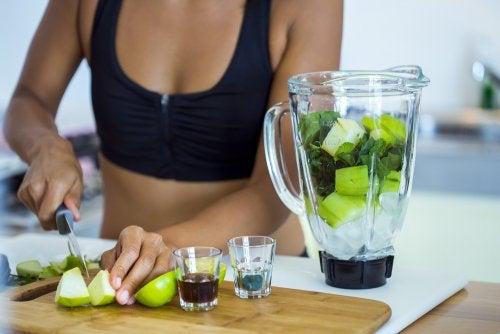 5 deliciosos licuados que puedes incluir en tu dieta detox
