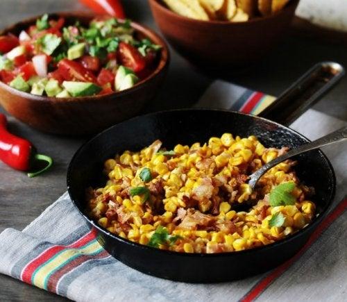 Prepara un delicioso plato con maíz tierno y tocino