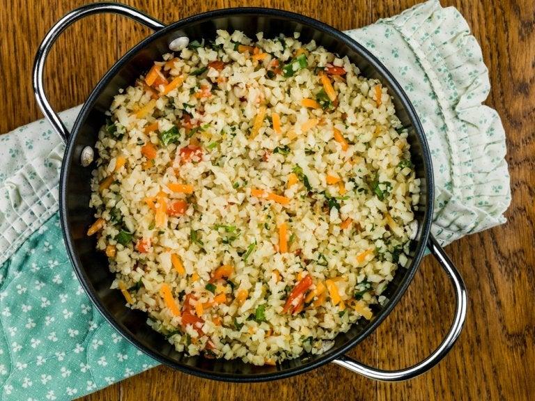 Receta de arroz de coliflor a la mexicana
