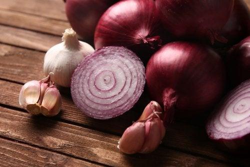 Sopa de cebolla y ajo, la receta para aumentar las defensas