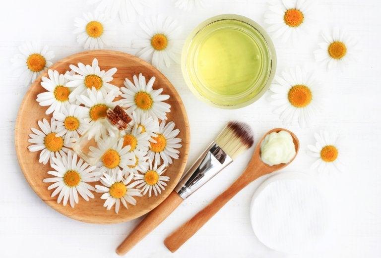 Tónico de manzanilla y pepino para reafirmar la piel