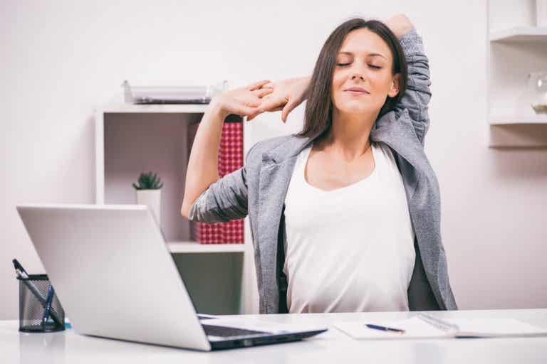 Los mejores ejercicios de estiramiento que te ayudarán a perder peso