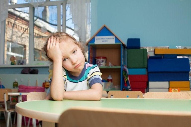 Cuando el estrés infantil es provocado por la prisa de los padres