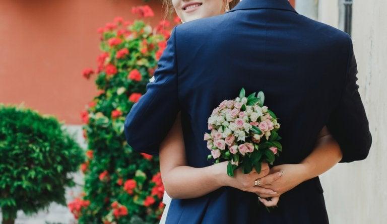 5 beneficios de casarse joven