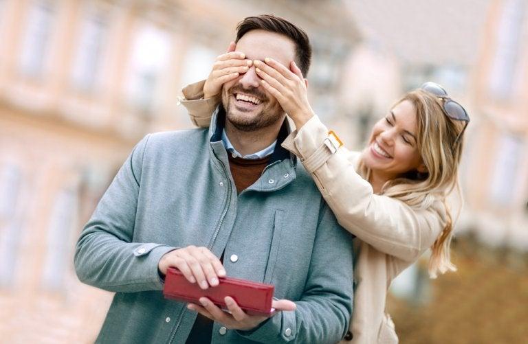7 cosas para regalar al novio en su cumpleaños