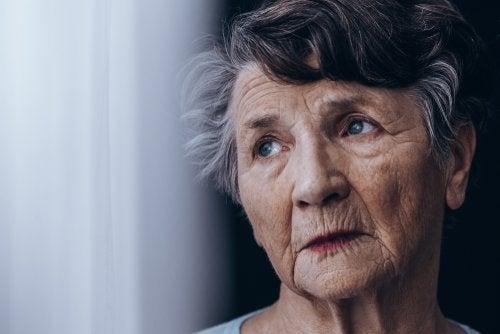¿Cuál es la diferencia entre demencia senil y alzhéimer?