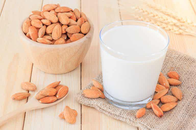 Cómo preparar leche de almendras para adelgazar