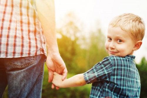 Cuál es la diferencia entre hablar con un bebé y un niño