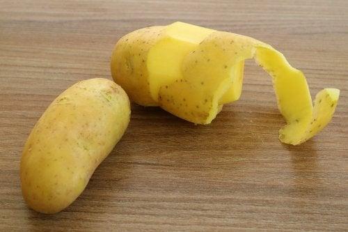 6 motivos para no tirar nunca más la piel de la patata