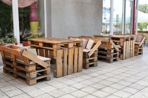 8 ingeniosos muebles con material reciclado que puedes hacer tú mismo