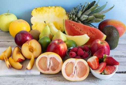 6 remedios frutales para combatir el estreñimiento sin laxantes