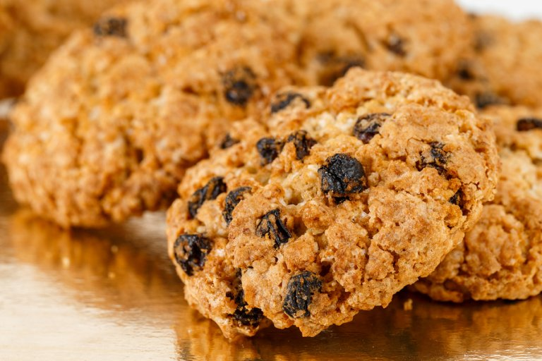 Aprende a preparar galletas saludables con avena y pasas