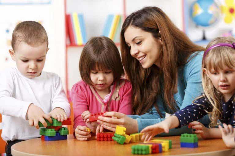 ¿Debemos educar de modo diferente a los niños y las niñas?