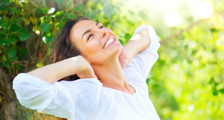 5 remedios naturales para reparar el cabello maltratado