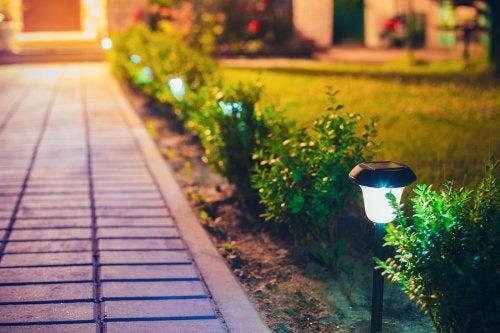 Cómo hacer faroles para decorar exteriores