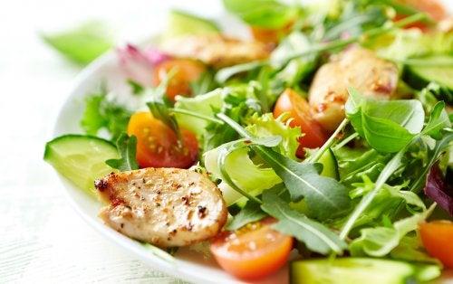 4 recetas de ensaladas mixtas que debes probar