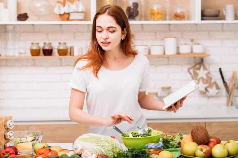 Cómo debe ser tu alimentación si tienes piedras en la vesícula