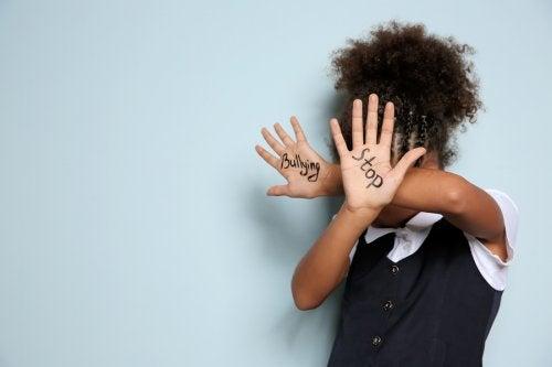 Cómo actuar frente a la intimidación como padres