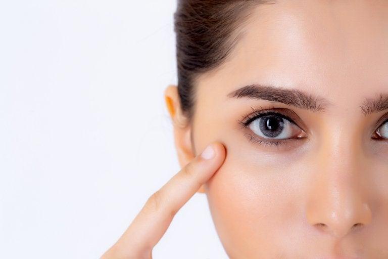 Consejos de maquillaje para corregir manchas