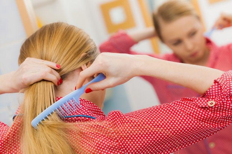 5 hábitos para combatir la caída del cabello