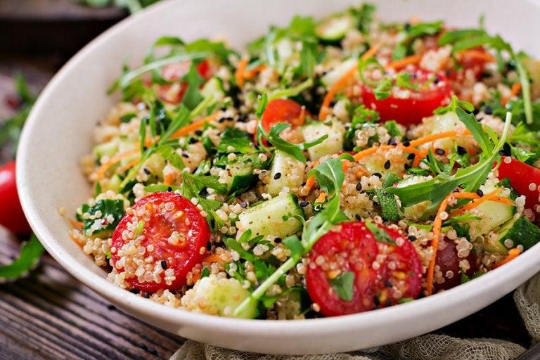 3 deliciosas ensaladas con quinoa saludables
