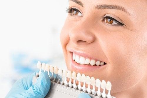 El blanqueamiento dental: qué es y qué tipos existen