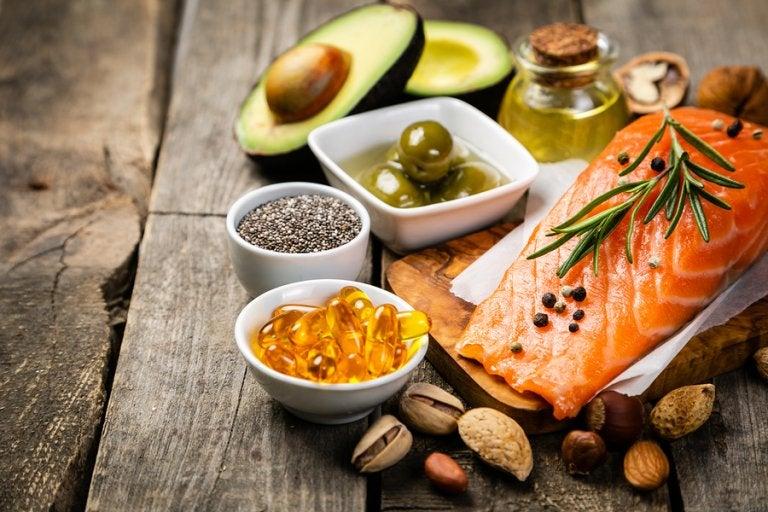 ¿Es correcto eliminar las fuentes de grasa de la dieta?