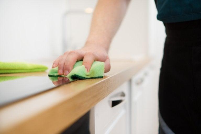 Hacer un limpiador de muebles con 3 ingredientes