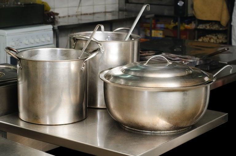 Limpiar el acero inoxidable con un método ecológico