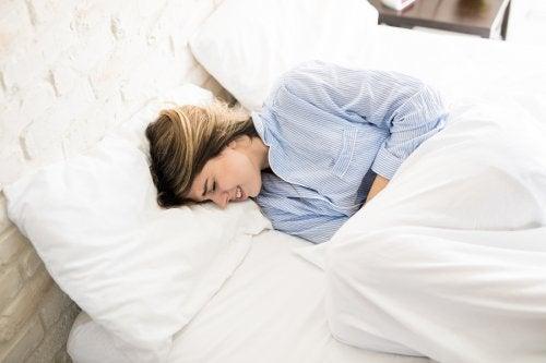 Remedio con jengibre para los cólicos menstruales