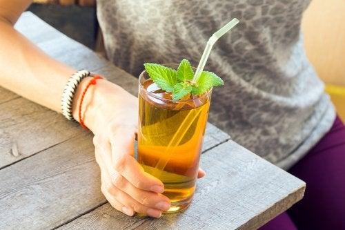 Síndrome del intestino irritable: ¿cómo combatirlo con menta?