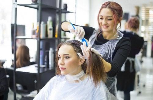 5 claves para cuidar tu cabello teñido
