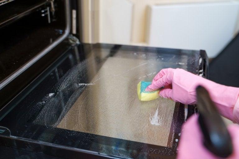 Cómo limpiar el horno: 5 métodos de limpieza