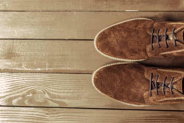 ¿Cómo limpiar los zapatos de gamuza?
