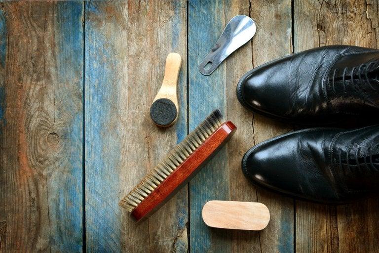 Cómo limpiar zapatos de cuero: 5 consejos útiles