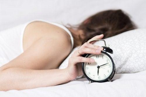 ¿Cómo mejorar la rutina nocturna para dormir mejor?