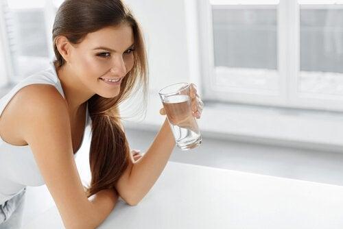 Remedios con agua: para equilibrar tu pH y depurar el organismo