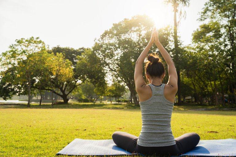 6 ejercicios de yoga para descansar mejor