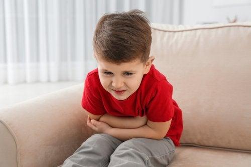 Prevenir los vómitos frecuentes en niños pequeños
