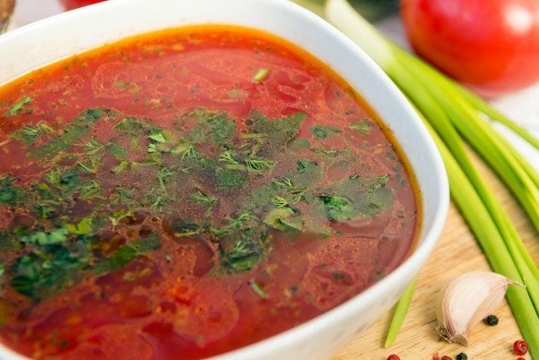 3 recetas fáciles de sopa de ajo