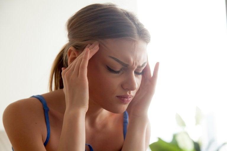 Síntomas de la cefalea tensional y remedios naturales