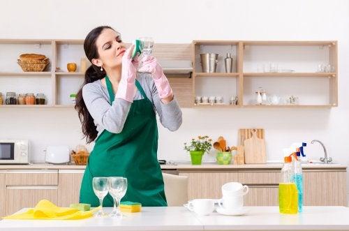 5 usos del limpiador de vidrios que quizá no conocías