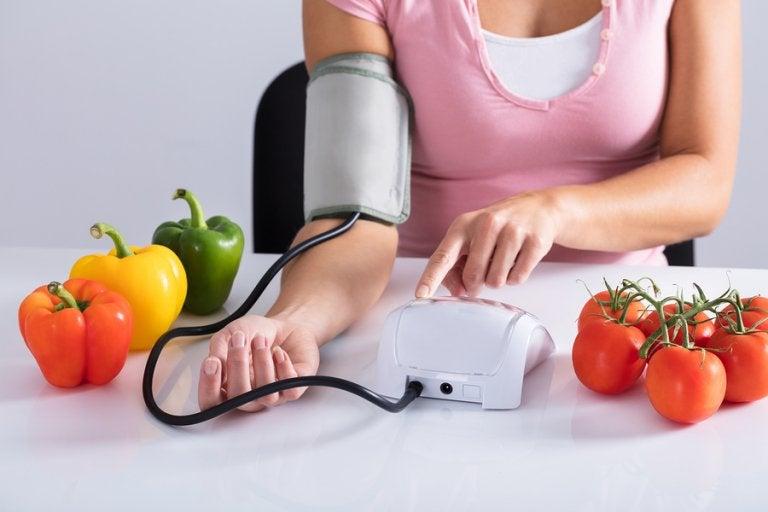 6 alimentos prohibidos en problemas de tensión arterial